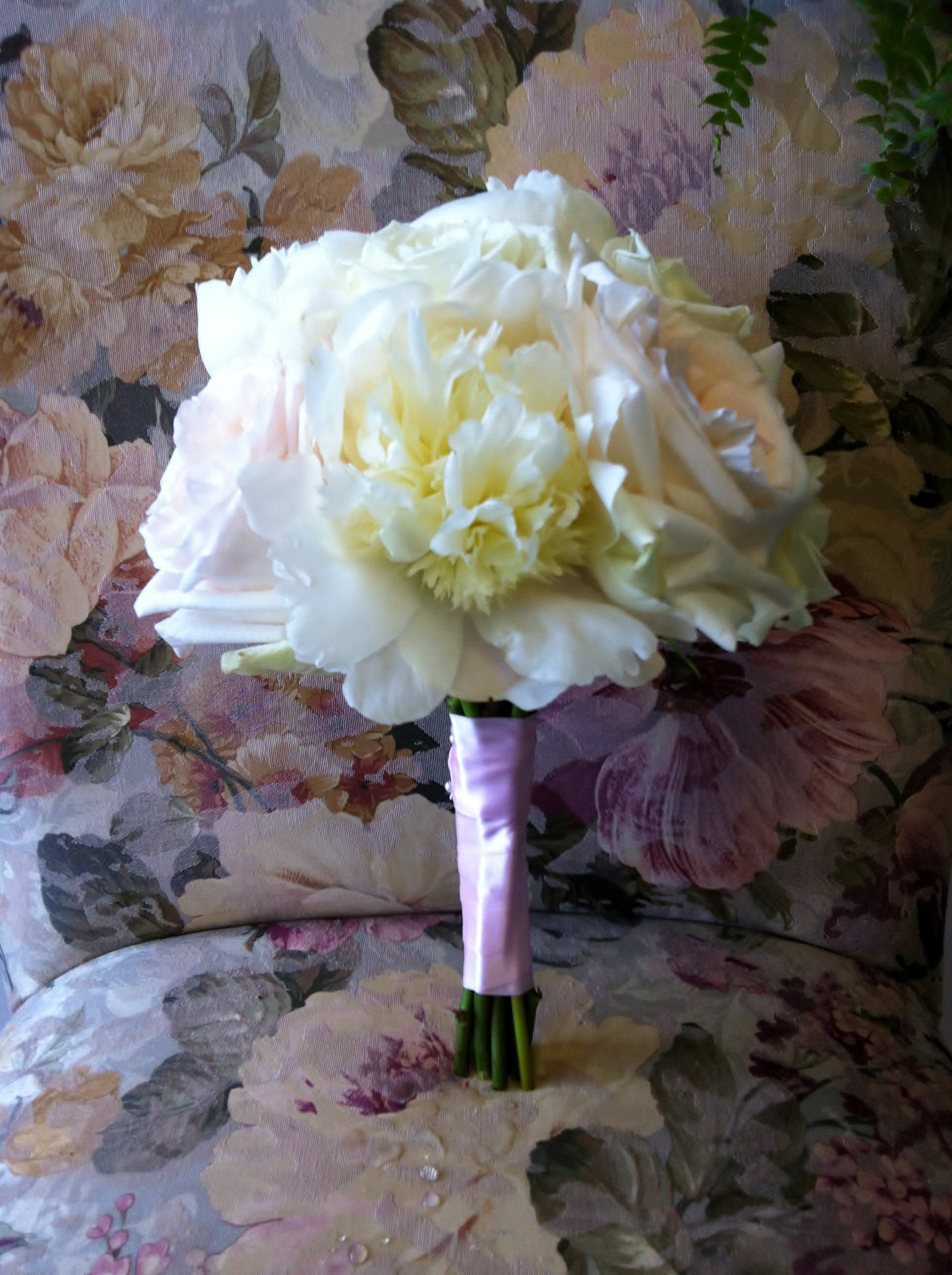 White Peony White Ou0027Hara Garden Rose Bouquet