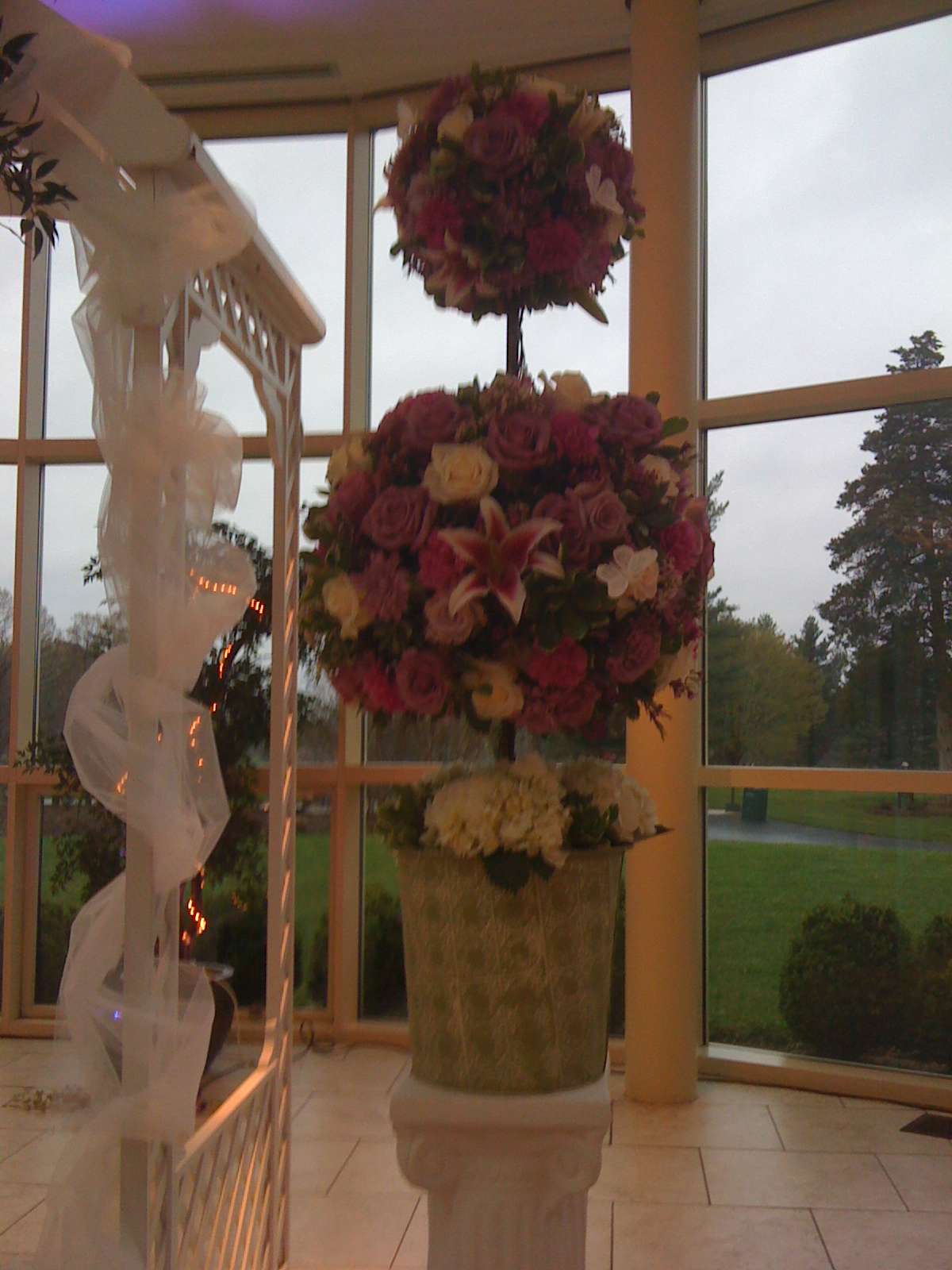 6 Floral Topiary On Column At Newton White Mansion Scentsational Florals