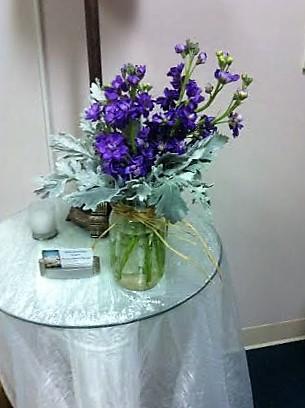 purple-stock-dusty-miller-mason-jar-centerpiece